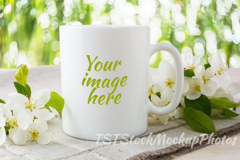 60+ Realistic Coffee Cup / Mug PSD Mockup Templates