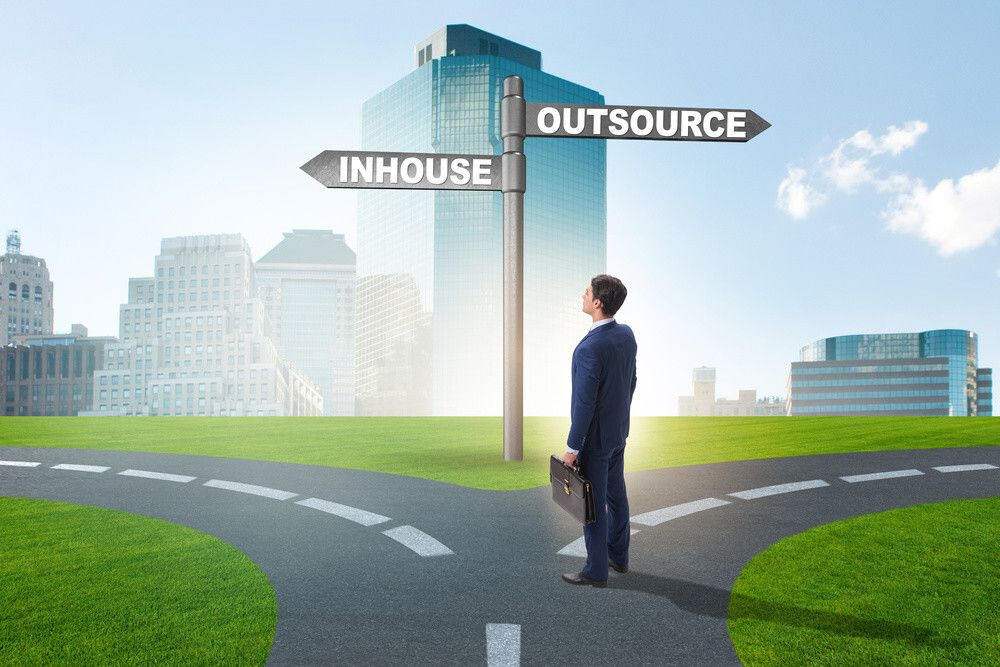 Outsource-vs-Inhouse