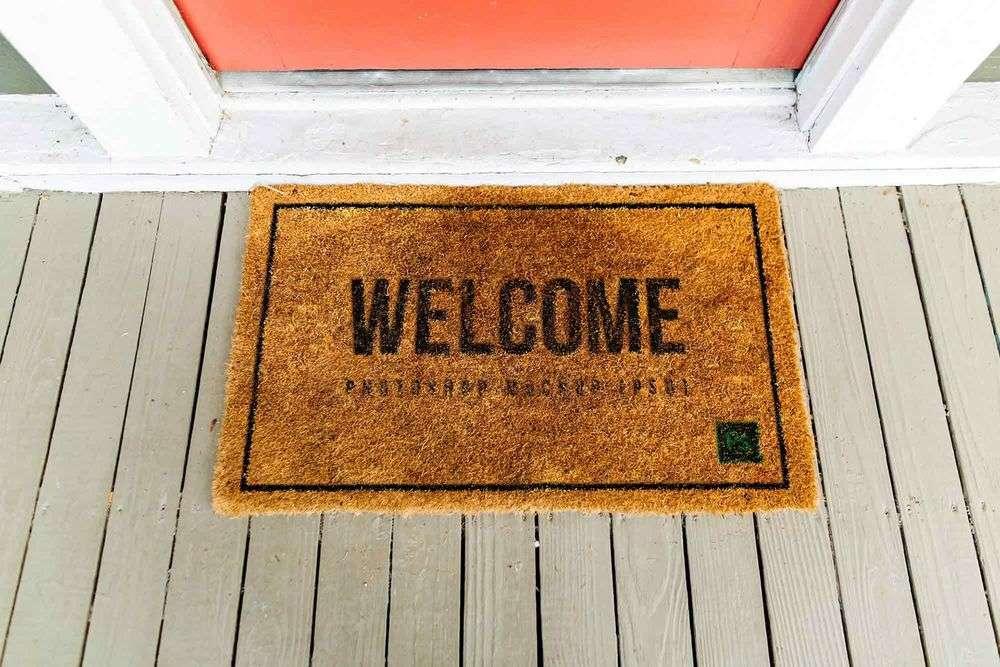 free-realistic-doormat-mockup-psd