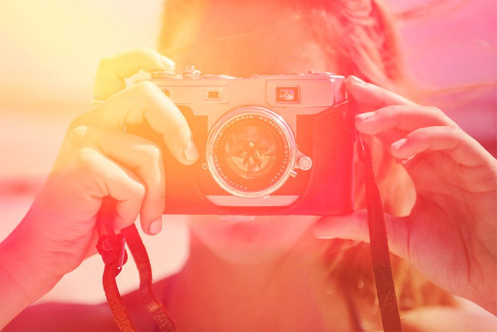 free-pack-of-30-light-leak-and-bokeh-flare-photo-overlays